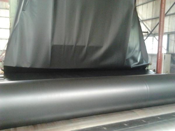 2mm厚hdpe土(tu)工膜